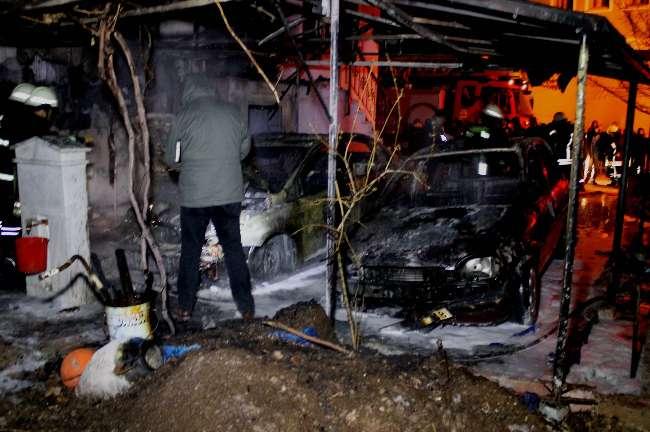 Konya'da yanık bırakılan mangal iki arabaya mal oldu