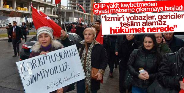 CHP'liler İzmir Adliyesi'nin önünde toplandı