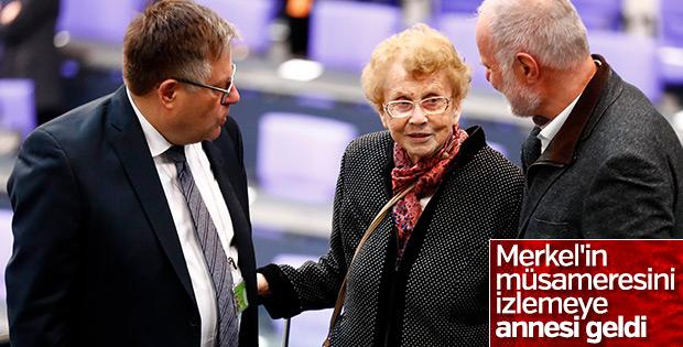 Merkel dördüncü kez Şansölye seçildi