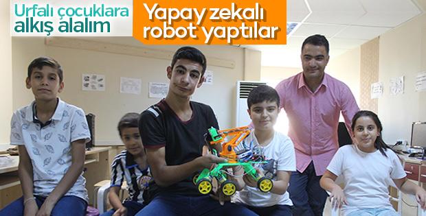 Öğrenciler ses komutu ile hareket eden robot üretti
