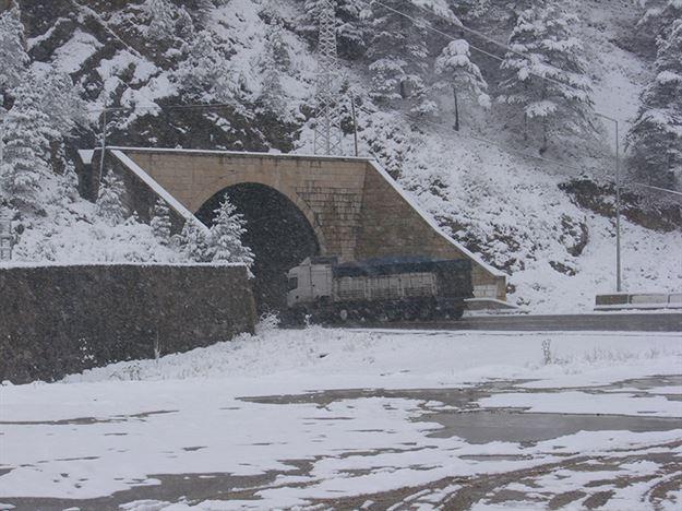 Yazın ilk gününde Rusyada kar yağdı