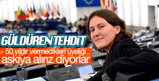 AP Raportörü: AB Türkiye ile müzakereleri askıya alsın