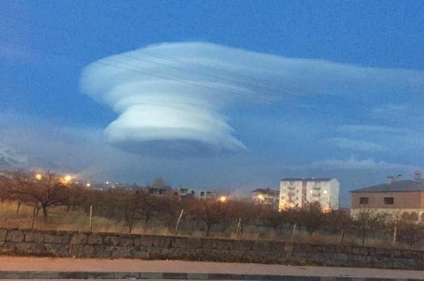 Gökyüzünde şaşırtan görüntü