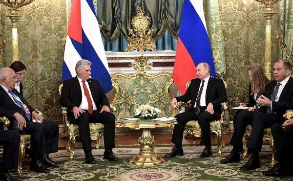 Rusya ve Küba liderleri görüştü