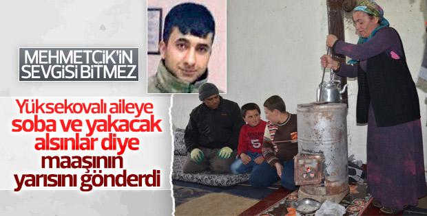Cizre'de görevli asker Yüksekova'daki aileye yardım etti