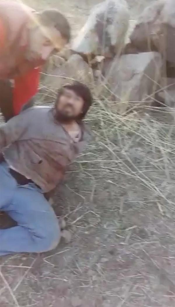 Kayseri'de baba ve oğlu at keserken yakalandı