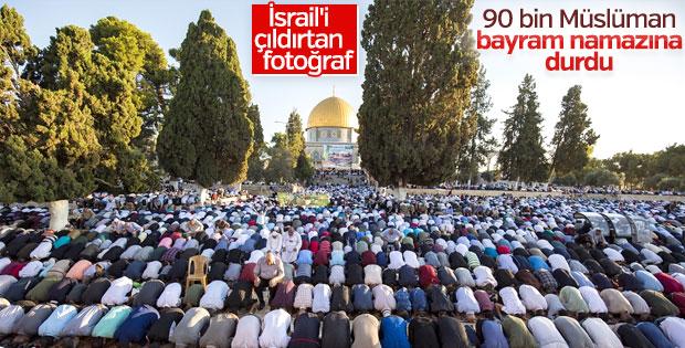 90 bin Müslüman bayram namazını Mescid-i Aksa'da kıldı