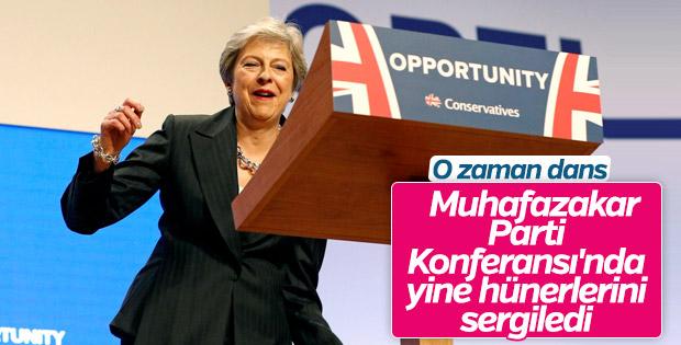 Theresa May dans etmekten vazgeçmiyor