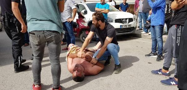 Eşinin aldattığı iddiasıyla sokağa çıplak çıktı