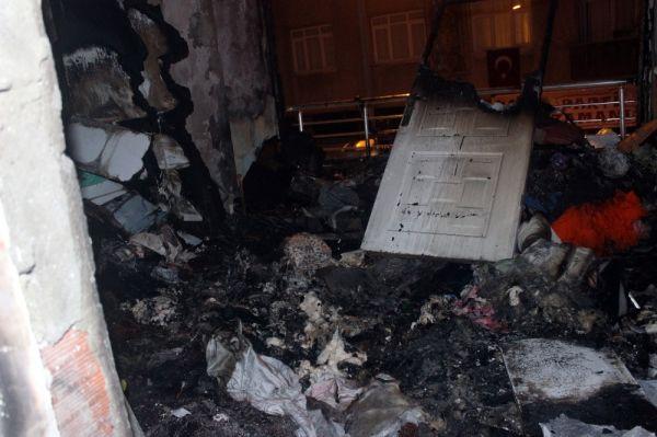 Güngören'de 4 katlı binada yangın