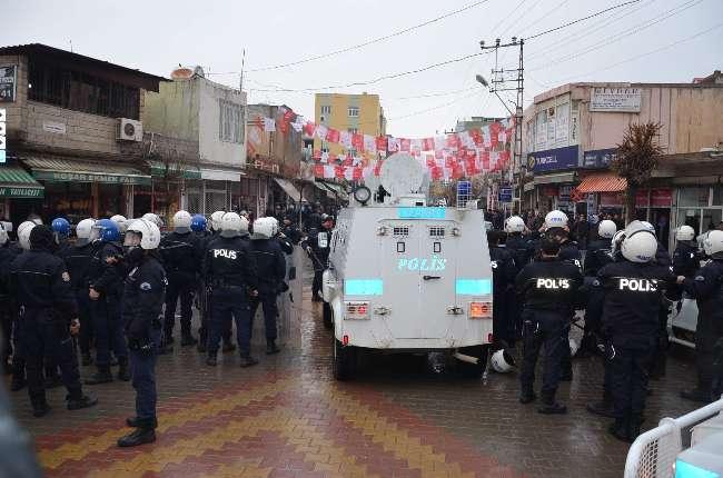 Şanlıurfa'da akrabalar birbirine girdi polis ayıramadı