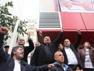 Antalya'da partililer CHP il binasını işgal etti
