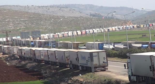 Sınırda 40 kilometrelik TIR kuyruğu oluştu