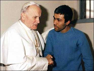 Papa Mehmet Ali Ağca'yı bahtiyarlar listesine eklemiş