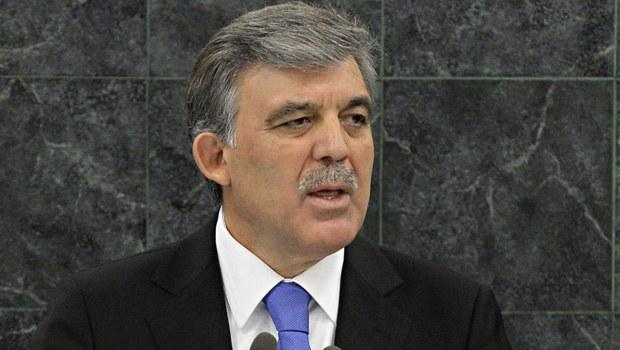 Abdullah Gül HSYK yasasını onayladı