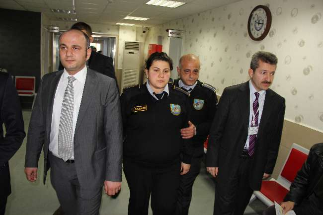 Samsun'da hasta yakını dehşeti: 1'i hamile 3 yaralı