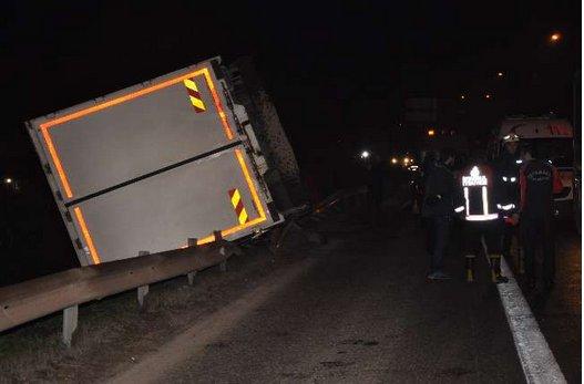 TEM'de kaza nedeniyle trafik durdu