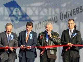 İzmir'de Hava Ulaştırma Fakültesi açıldı