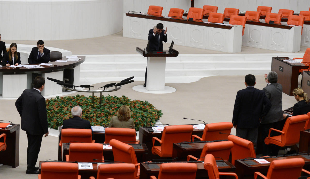 Meclis'te ses kaydı gerginliği