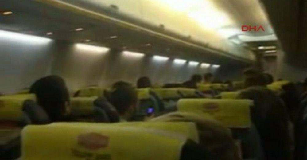 Kaçırılan uçaktan ilk görüntüler