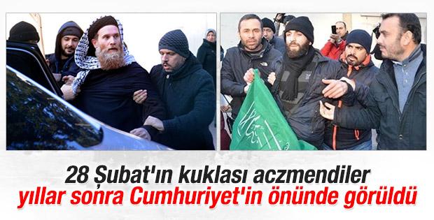Cumhuriyet gazetesi önünde gözaltılar