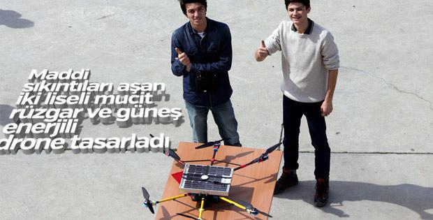 Liseli mucitler rüzgar ve güneş enerjili drone tasarladı