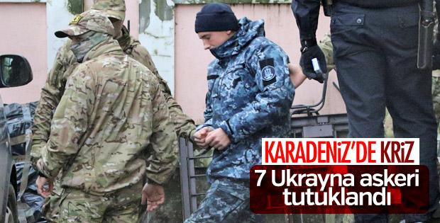 Rusya, 7 Ukrayna askerini tutukladı
