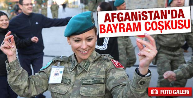 Afganistan'da görev yapan askere konser