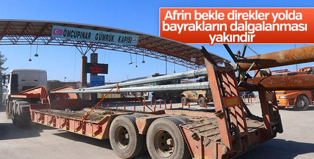 Burseya Dağı'na Türk bayrakları götürülüyor