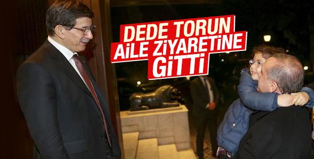 Erdoğan ailesi Davutoğlu ailesini ziyaret etti