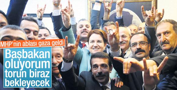 Akşener: Başbakan oluyorum torun biraz bekleyecek