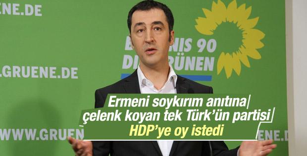 Ermeni anıtına çelenk koyan Türk vekil HDP'ye oy istedi