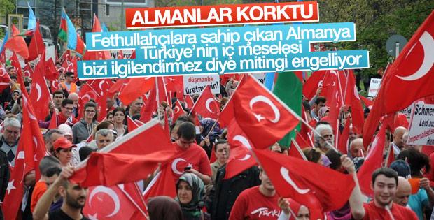 Almanya'daki Türklerin darbe karşıtı mitingine yasak