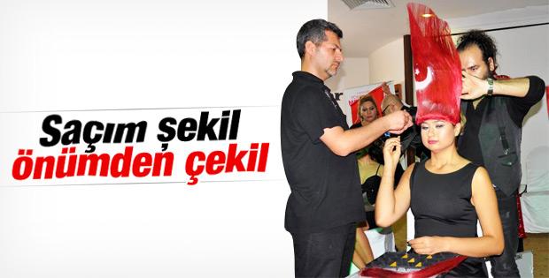 Antalya'da kuaförlerden Cumhuriyet Bayramı şovu