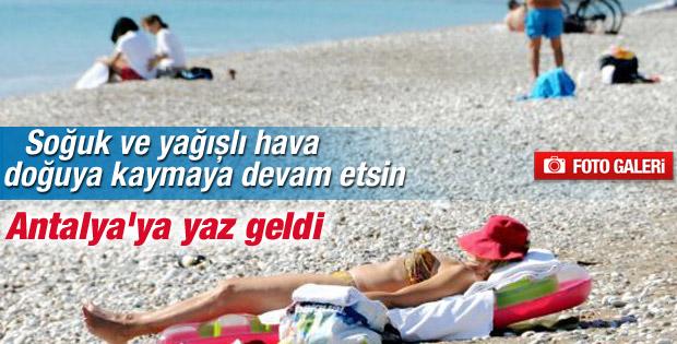 Antalya'da Şubat ayında deniz keyfi yaşanıyor