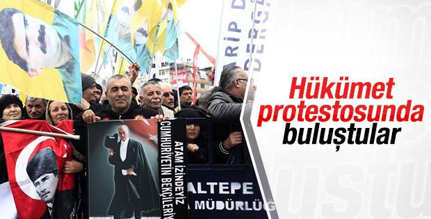 Laik eğitim mitinginde Atatürk ve Öcalan posterleri