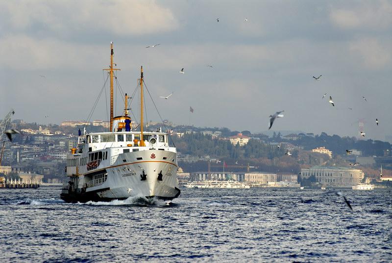 İstanbul'da vapur seferleri yeniden başlatıldı