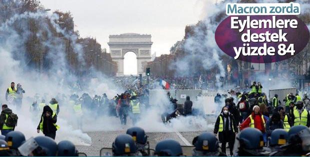 Fransa'da eylemlere büyük destek