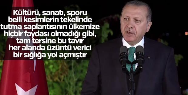 Cumhurbaşkanı Erdoğan'dan sanatçı ve sporcularla iftar