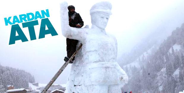 Rize'de kardan Atatürk yaptılar