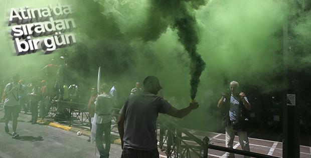 Yunanistan'da temizlik işçileri grevde