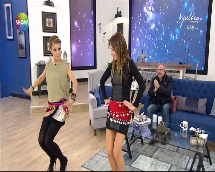 Ayşe Özyılmazel'den Shakira dansı İZLE