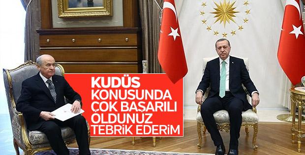 Bahçeli, Kudüs girişimleri için Erdoğan'ı tebrik etti