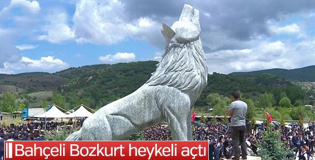 Ülkücü şehitliğine bozkurt heykeli yapıldı