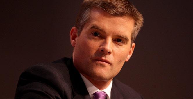 Bakan Mark Harper çalışanı vizesiz çıkınca istifa etti