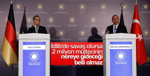 Mevlüt Çavuşoğlu, İdlib'de mültecilere dikkat çekti