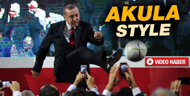 Başbakan'dan futbol şov - izle