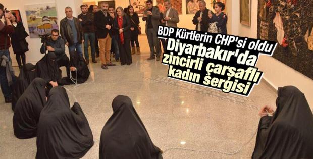 Diyarbakır'da çarşaflı kadınlar galeride sergilendi