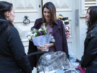 Beren Saat'in fanları İntikam setini ziyaret etti