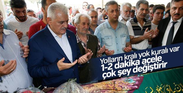 Başbakan Yıldırım İzmir'de cenazeye katıldı